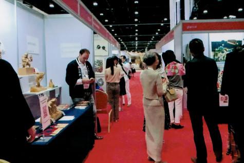 日本のブースは絵画・木彫 他多数の展示とパフォーマンスがあり、賑わいました。