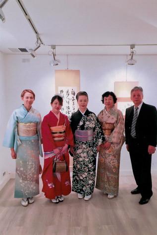 日本からの女性陣は和服で